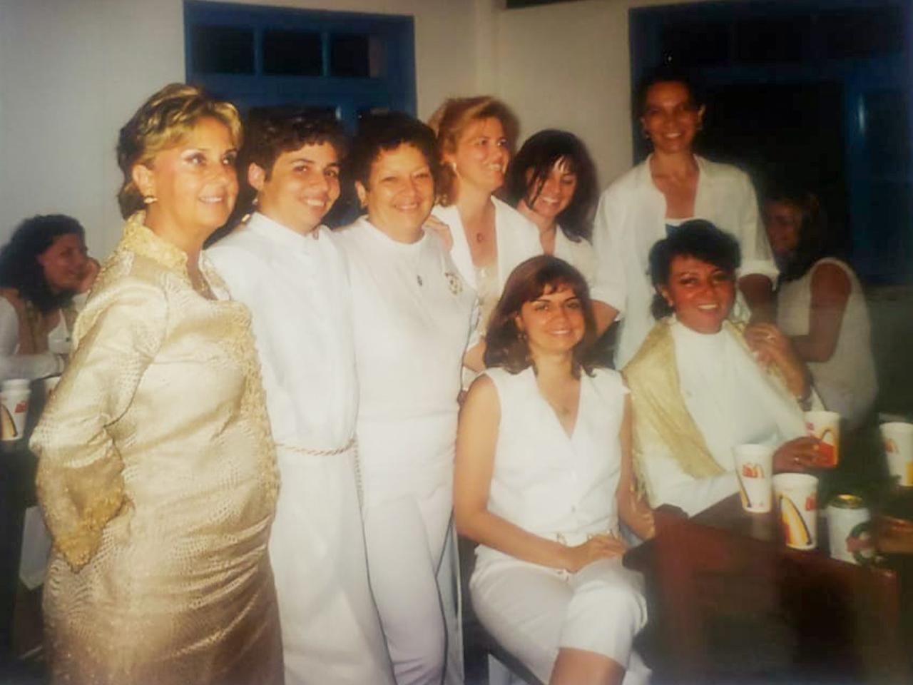 Sonia Mesquita e grande parte da ala feminina dos fundadores.
